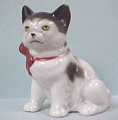 Sitting Kitty Cat With Red Bow (Image1)