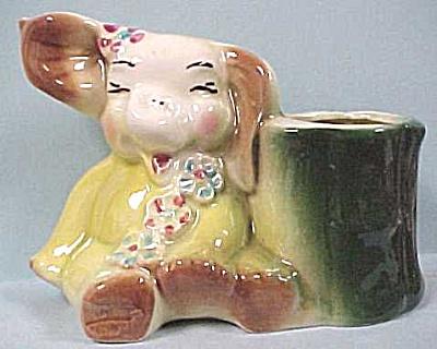 1930s/1940s Pottery Elephant Planter (Image1)