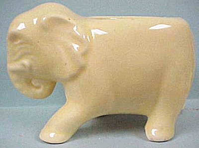 Yellow Pottery Walking Elephant Planter (Image1)