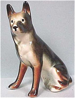 1940s/1950s Pottery German Shepherd Dog (Image1)