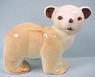 Unmarked 1940s US Pottery Bear (Image1)
