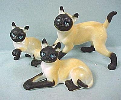Miniature Bone China Matte Siamese Family (Image1)