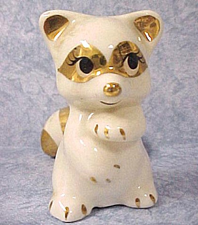 1940s/1950s California Pottery Skunk (Image1)