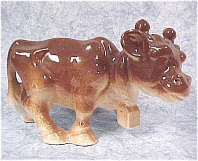 1930s/1940s Unmarked Pottery Cow (Image1)