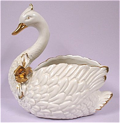 Ceramic White Swan Planter (Image1)