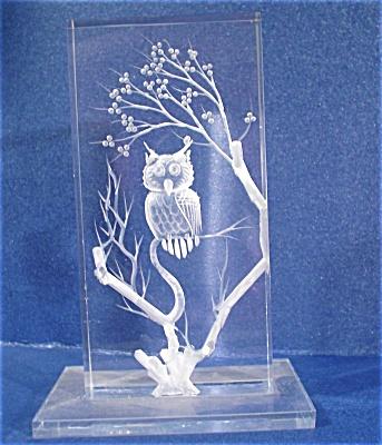 Acrylic Carved Owl (Image1)