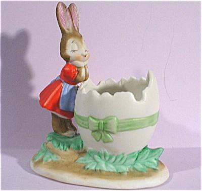 Brown Bunny Rabbit with Egg Shell Dish (Image1)