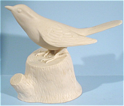 Bisque Porcelain Bird on Stump (Image1)
