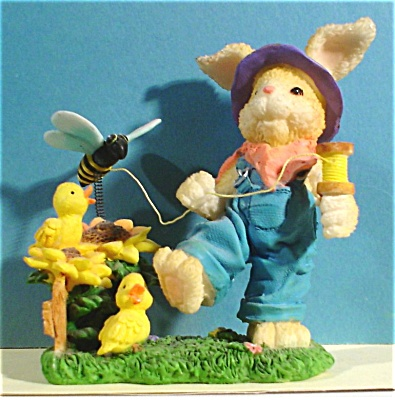Resin Bunny Rabbit with Bee on a String (Image1)