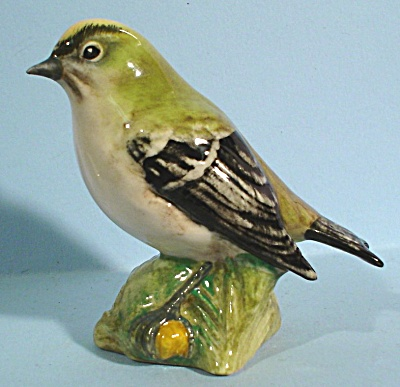 Beswick Bird #2415 Goldcrest (Image1)