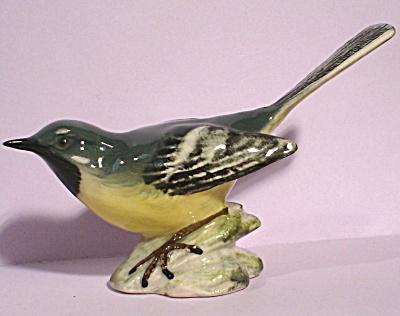 Beswick Bird #1041 Grey Wagtail (Image1)