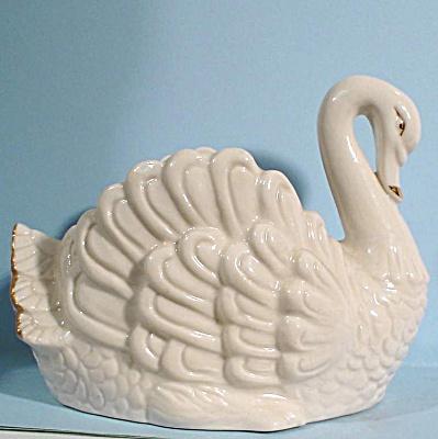 Swan Planter (Image1)