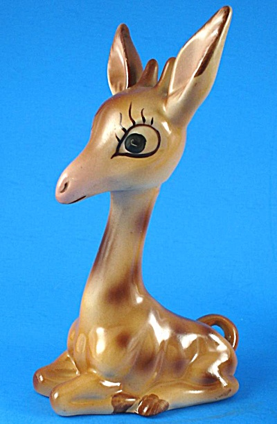 Coventry Porcelain Lying Giraffe (Image1)