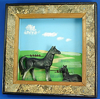 Enesco Ceramic Horse Pair on Wood Wall Hanger (Image1)