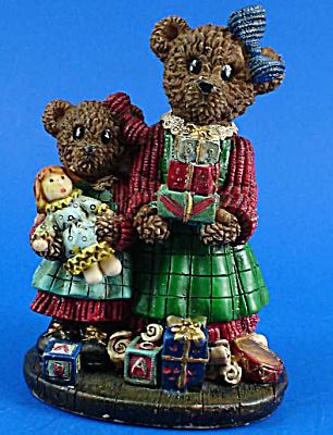 Resin Christmas Bear Figurine (Image1)