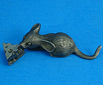 Miniature Pewter Mouse With Cheese