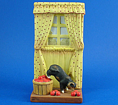 Danbury Mint Cute Cats! Series: Apples Away (Image1)