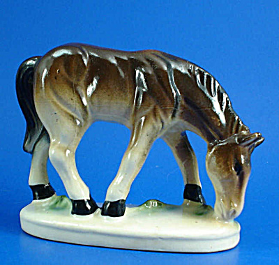 Small Japan Ceramic Brown Grazing Horse (Image1)