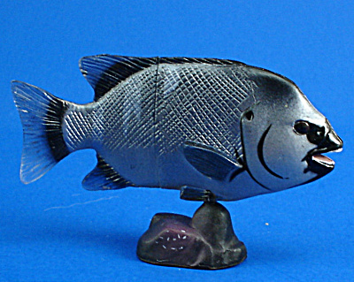 Kaiyodo Furuta Choco Egg Miniature Parrot Fish (Image1)
