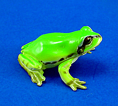 Kaiyodo Furuta Choco Egg Miniature Frog (Image1)