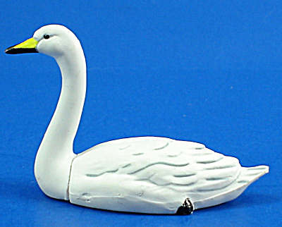 Kaiyodo Furuta Choco Egg Miniature Swimming Swan (Image1)
