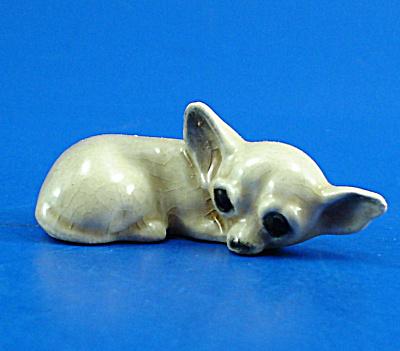 Miniature Hardie Arnita Pottery  Lying Chihuahua (Image1)