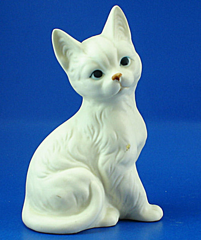 Enesco Ceramic Sitting Cat (Image1)