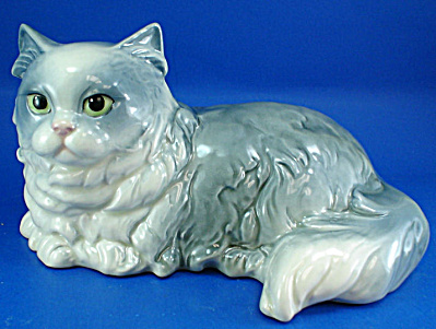 Large Goebel Lying Persian Cat