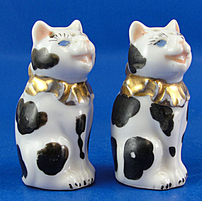 Vintage Miniature Porcelain Cat Salt and Pepper Shakers (Image1)