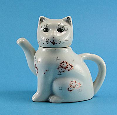 Cute Cat Miniature Teapot (Image1)