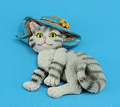 Resin Refrigerator Magnet Tabby Cat Wearing a Hat (Image1)