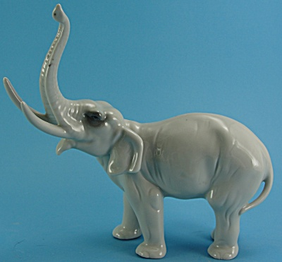 Vintage East German Porcelain Elephant (Image1)
