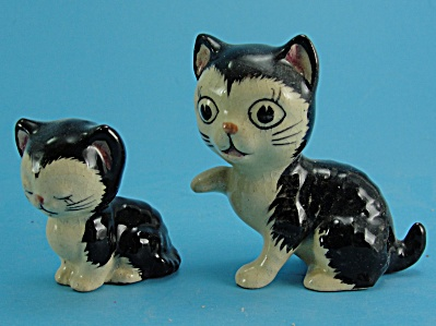 1950s Japan Pottery Miniature Cat and Kitten (Image1)