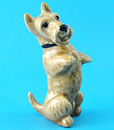 1940s/1950s Miniature Pottery Begging Terrier (Image1)