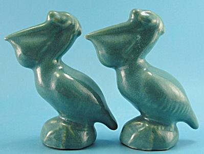 Rosemeade Pottery Pelican Salt and Pepper Shaker Set (Image1)