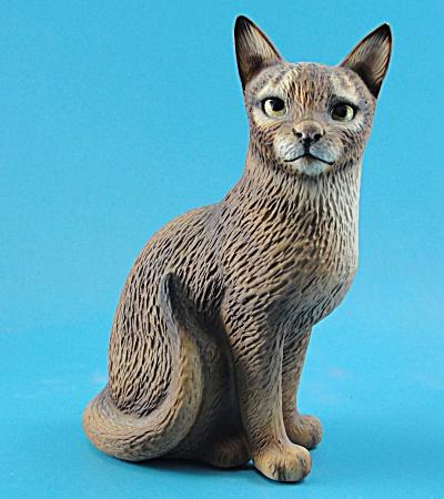 Harvey Knox Kingdom Ceramic Abyssinian Cat (Image1)