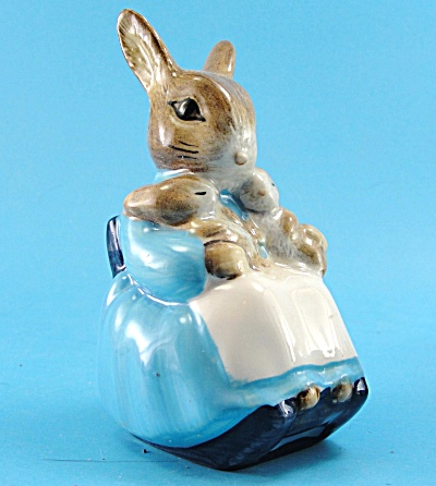 Royal Albert Beatrix Potter Mrs. Rabbit and Bunnies (Image1)