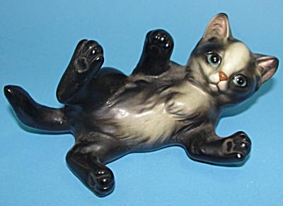 Japan Ceramic Playing Kitten on Back (Image1)