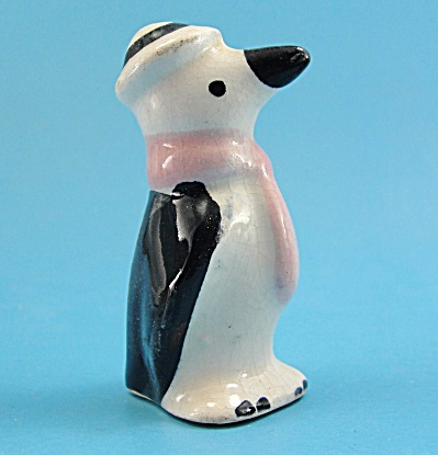 Rio Hondo Pottery Penguin with Pink Scarf (Image1)