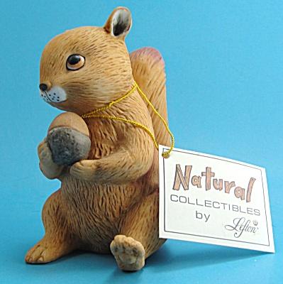 1986 Lefton Ceramic Squirrel (Image1)