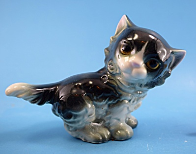 Goebel Porcelain Persian Kitten (Image1)