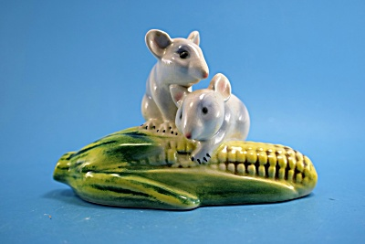 Goebel Porcelain Mice on Corn (Image1)