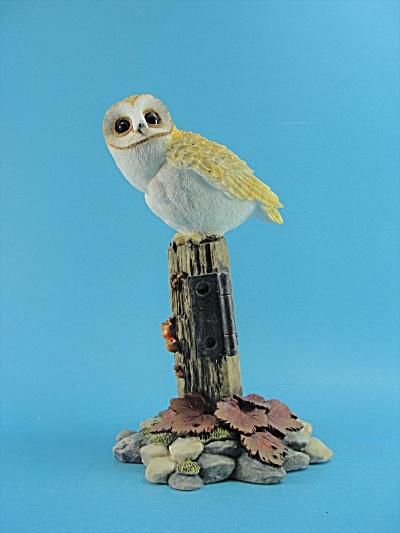 Prestige Design Barn Owl on Post (Image1)