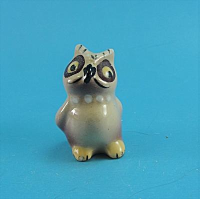 1950s Miniature Pottery Owl (Image1)