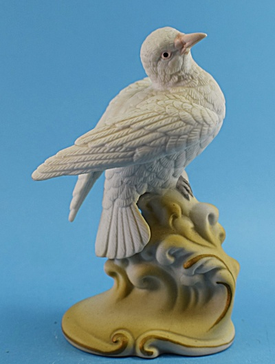 Lefton Ceramic White Dove (Image1)
