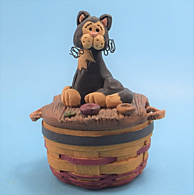 Blossom Bucket Cat In A Basket Trinket Box