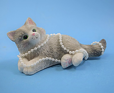 Calico Kittens - Wrapped in Pearls  (Image1)