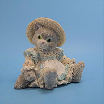 P. Hillman Enesco Cat w/Dress & hat Calico Kitten  (Image1)