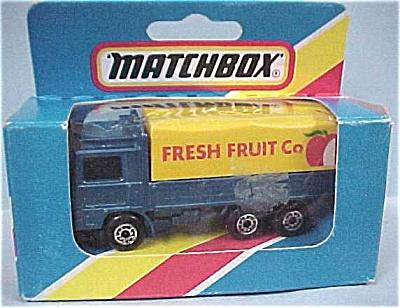 Matchbox #26 Volvo Covered Tilt Truck (Image1)