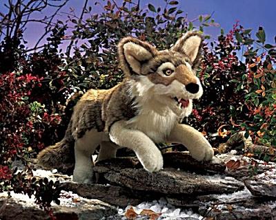 Folkmanis Hand Puppet Gray Wolf (Image1)